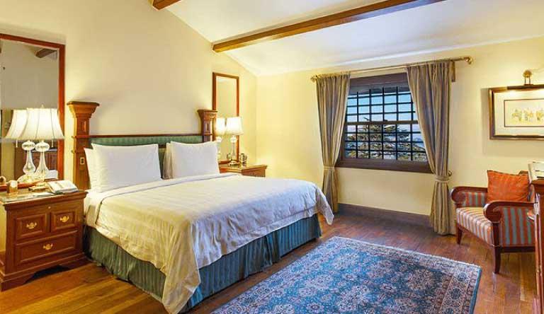The-Oberoi-Cecil-Deluxe-Room