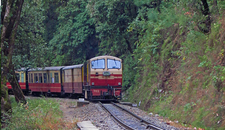 toy-train-shimla-himachal-india