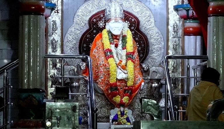 sai-baba-mandir-shirdi-maharastra-india