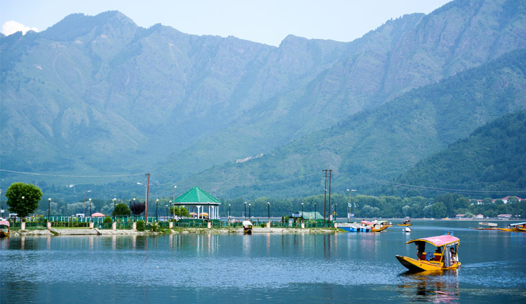 dal-lake-at-srinagar-with-boat-kashmir-india