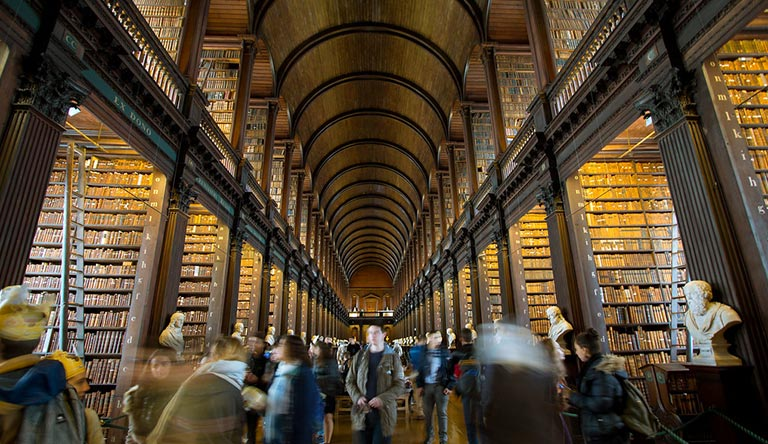trinity-vollege-library-dublin-ireland.jpg