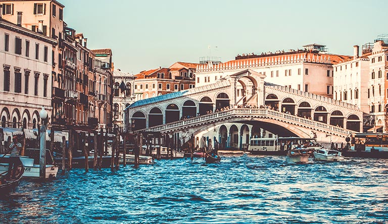 ponte-di-rialto-venice-italy.jpg