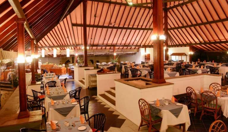 Adaaran-Club-Rannalhi-Restaurant1.jpg