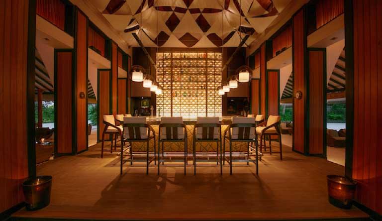Baros-Maldives-Bar.jpg