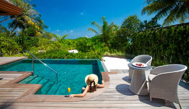 Baros-Maldives-Baros-Suites-Pool-and-Jacuzzi.jpg