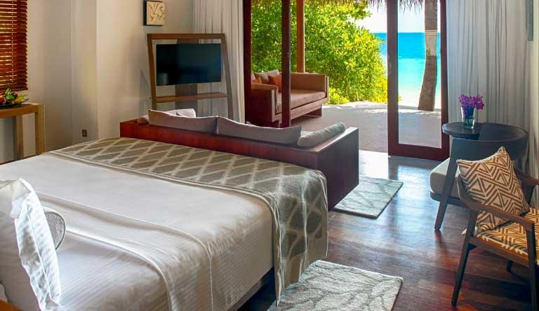 Baros-Maldives-Deluxe-Villa.jpg