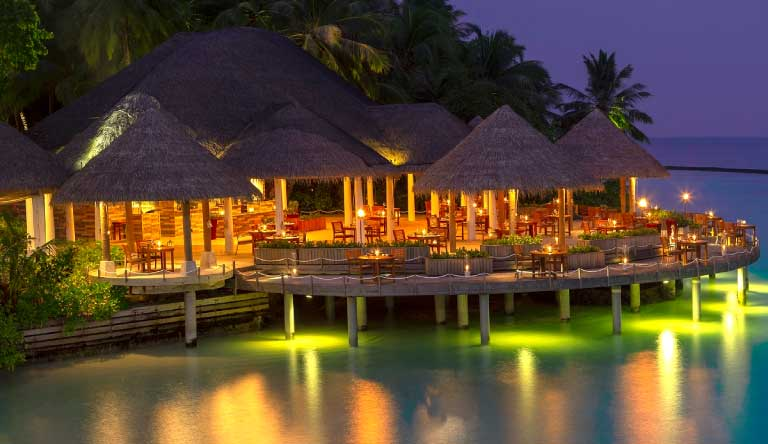 Baros-Maldives-Restaurant.jpg