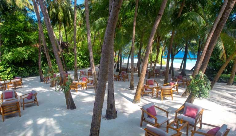 Baros-Maldives-Restaurant1.jpg