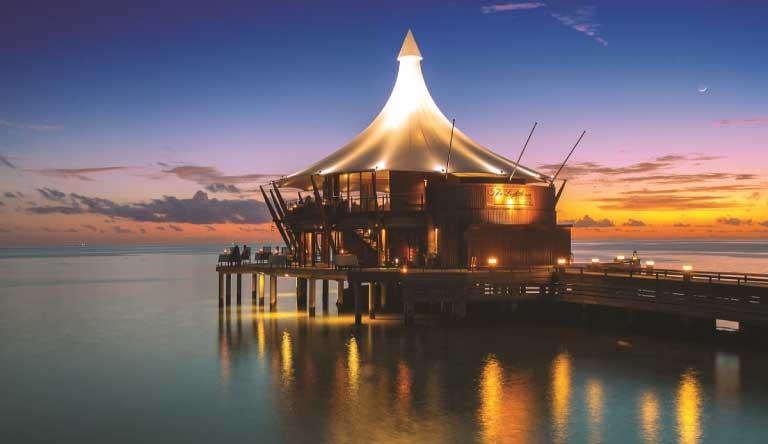 Baros-Maldives-Restaurant2.jpg