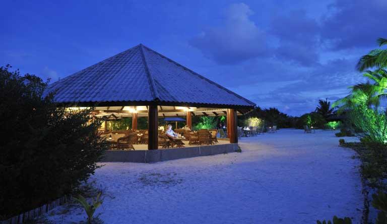 Fun-Island-Bar1.jpg