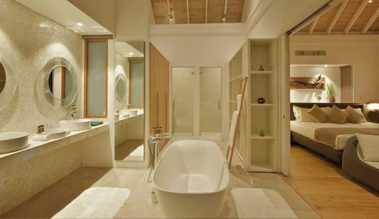 Kuramathi-Island-Resort-Deluxe-Water-Villa2.jpg