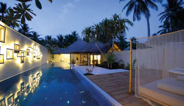 Kuramathi-Island-Resort-Honeymoon-Pool-Villa2.jpg
