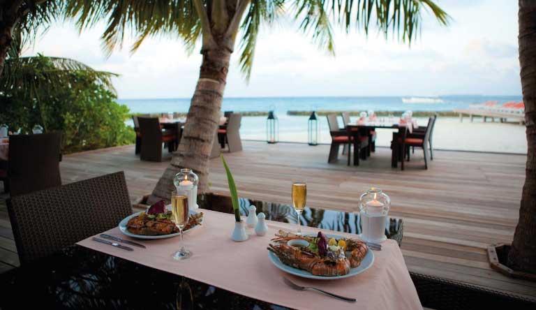 Kuramathi-Island-Resort-Restaurant1.jpg