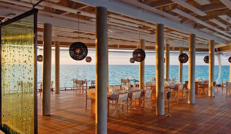 Kuramathi-Island-Resort-Restaurant3.jpg