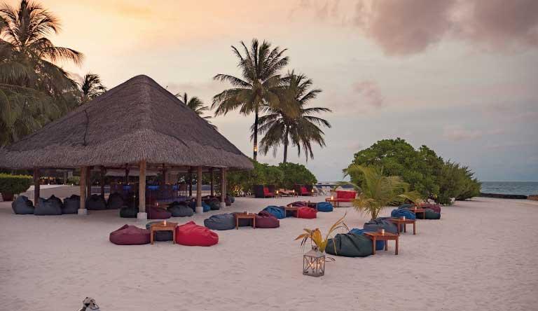 Kuramathi-Island-Resort-Sandbar.jpg