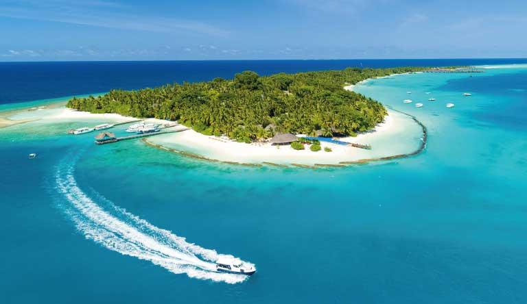 Kuramathi-Island-Resort-Thundi-Water-Villa-with-Pool1.jpg