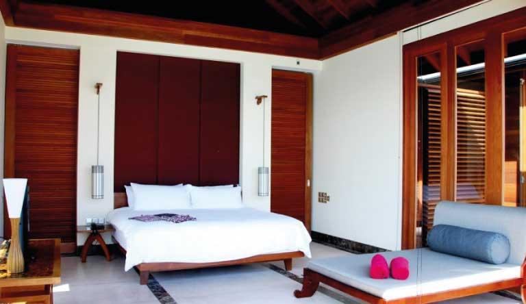 Paradise-Island-Resort-and-Spa-Ocean-Suite.jpg