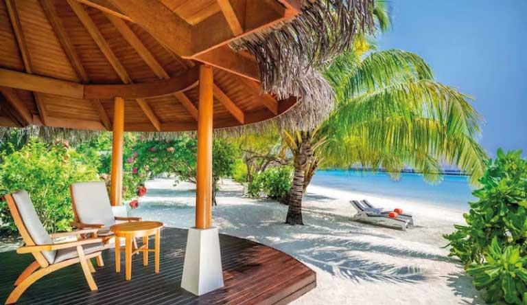 Sheraton-Maldives-Full-Moon-Resort-and-Spa-Beach-Front-Cottage.jpg