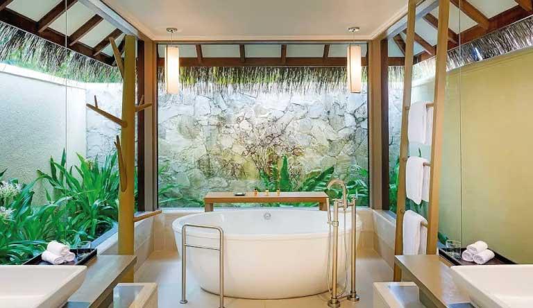 Sheraton-Maldives-Full-Moon-Resort-and-Spa-Ocean-Pool-Villa-Bathroom.jpg