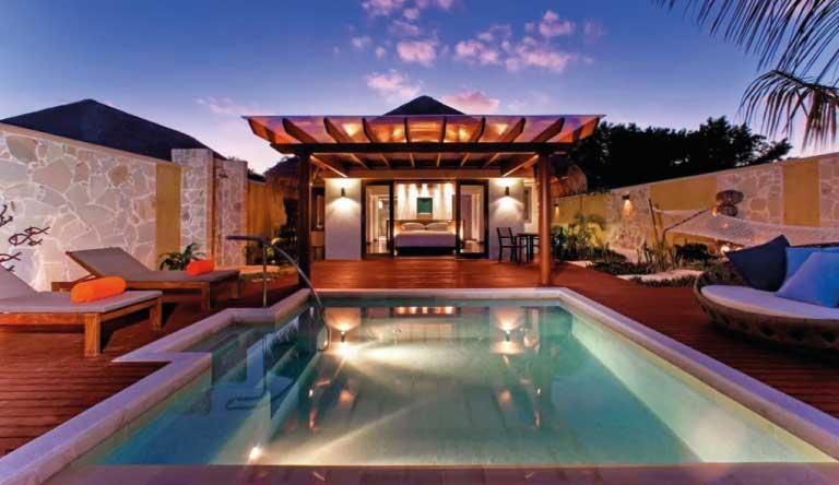 Sheraton-Maldives-Full-Moon-Resort-and-Spa-Ocean-Pool-Villa.jpg
