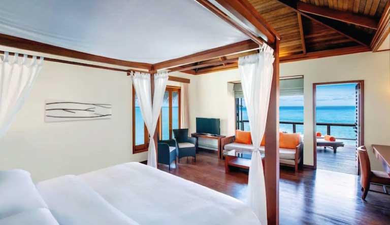 Sheraton-Maldives-Full-Moon-Resort-and-Spa-Water-Villa.jpg
