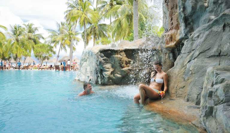 Sun-Island-Resort-and-Spa-Pool.jpg