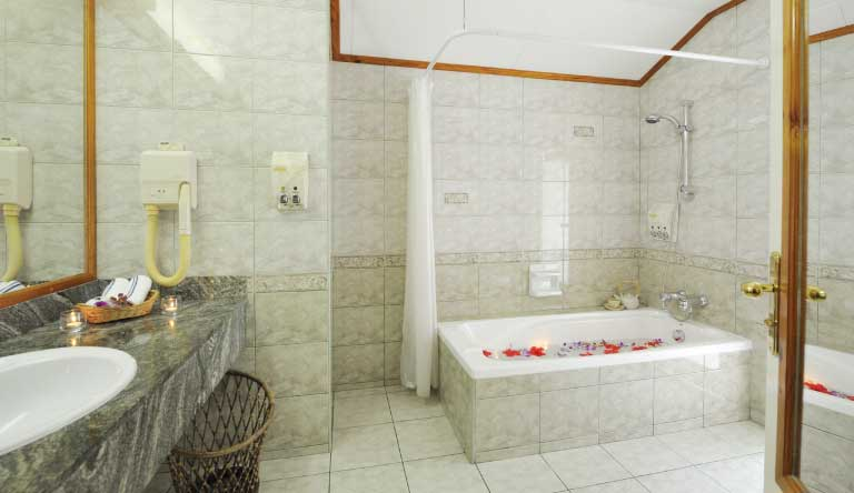 Sun-Island-Resort-and-Spa-Superior-Beach-Bungalow-Washroom.jpg