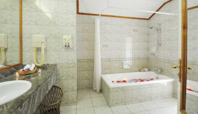 Sun-Island-Resort-and-Spa-Two-Bedroom-Family-Villa-Washroom.jpg