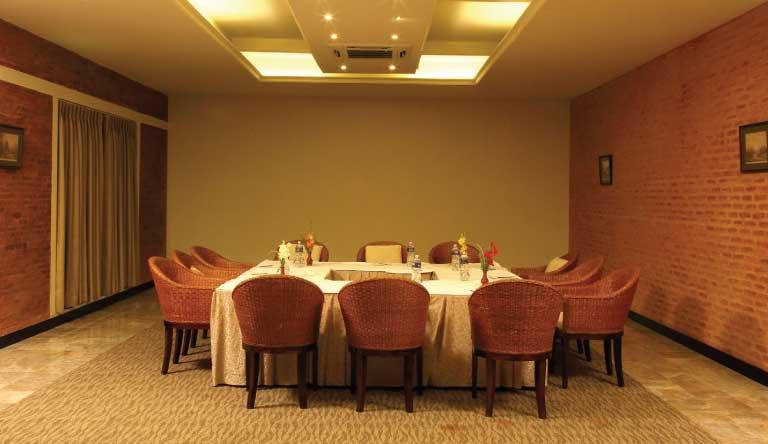 Gokarna-Forest-Resort-Meeting-Room.jpg