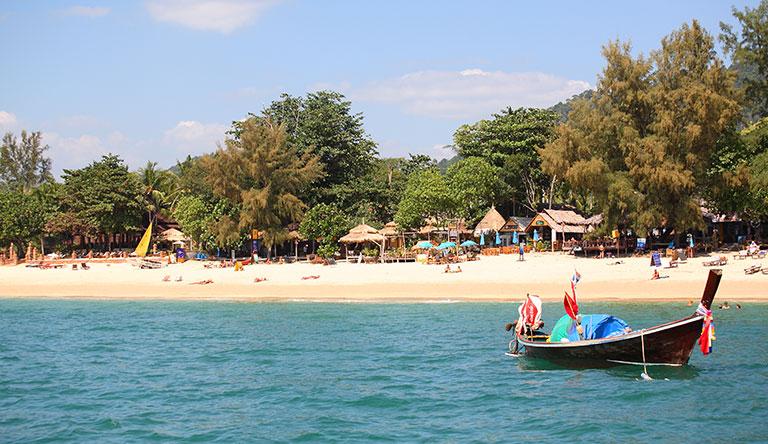 klong-nin-beach-lanta-yai-island-krabi-thailand
