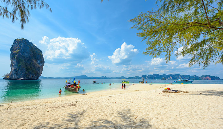 koh-poda-beach-view-krabi-thailand