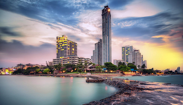 cityscape-in-sunset-pattaya-thailand