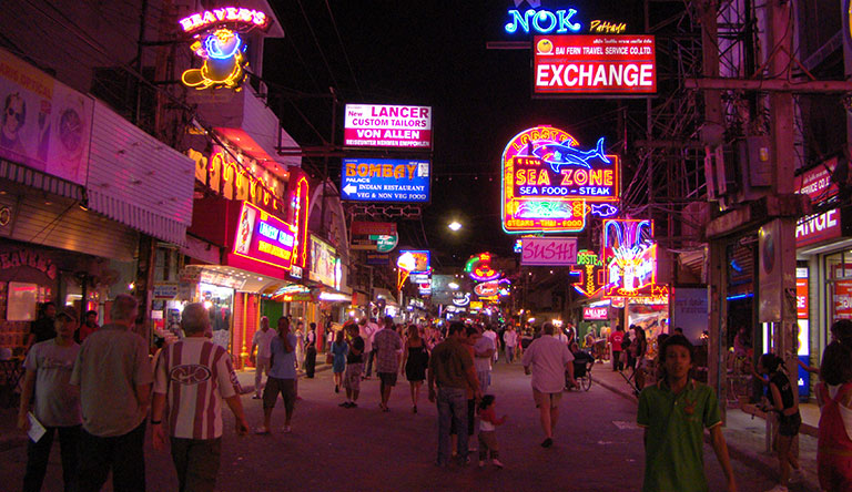 walking-street-pattaya-thailand