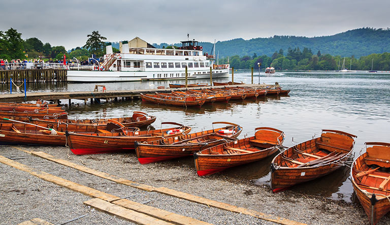 boats-on-windermere-lake-england